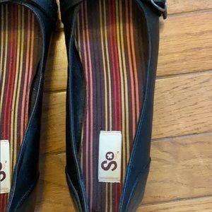SO Shoes - Women's black flats size 7
